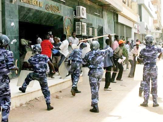 Protests in Sudan threaten to topple Al-Bashir