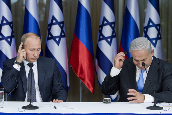 Russian President Vladimir Putin and Israeli Prime Minister Benjamin Netanyahu attend a press conference in Jerusalem (Source: Pool/Getty Images Europe)