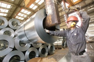 Steel prices will be fixed in August despite what the domestic market suffers from stagnation. (DNE PHOTO)