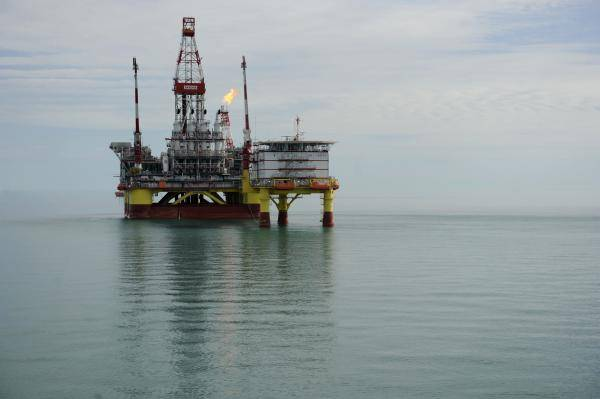 Maridive suffered considerable losses during the first half of 2012 with the lack of new offshore contracts being the major crippling factor (AFP PHOTO)
