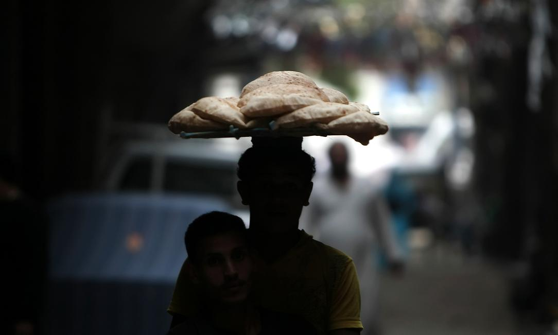 The Minister of Supply and Internal Trade is researching methods to fix the price of subsidised bread (AFP Photo)