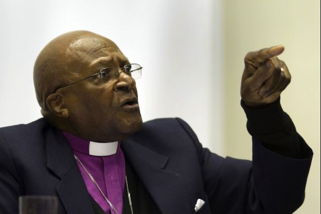 Archbishop Desmond Tutu has argued for George W Bush and Tony Blair to be tried by the International Criminal Court (File photo) AFP PHOTO / Rodger Bosch