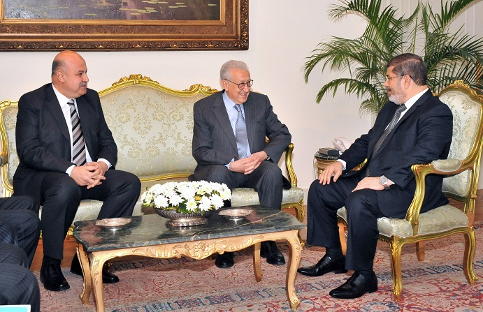 President Mohamed Morsi (right) and Vice President Mahamud Miki (left) meeting with UN and Arab League envoy for Syria, Lakhdar Brahimi, at the presidential palace in Cairo on 10 September AFP PHOTO / HO / EGYPTIAN PRESIDENCY