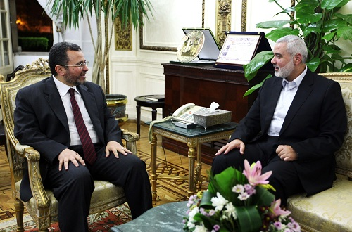 Ismail Haniya (right) head of the Hamas government in the Gaza Strip, meeting with Egyptian Premier Hisham Qandil in Cairo AFP PHOTO / ISMAIL HANIYA'S OFFICE