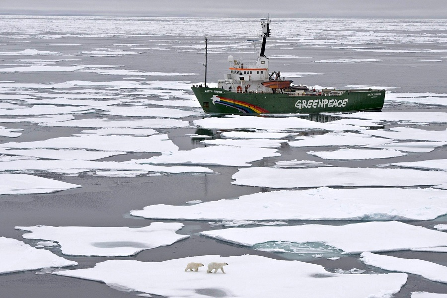 Greenpeace's My Arctic Sunrise ship on an Arctic Ocean expedition on 11 September (File photo) AFP PHOTO / GREENPEACE INTERNATIONAL / DANILE BELTRA