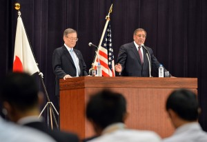 US Defense Secretary Leon Panetta (right) and his Japanese counterpart Satoshi Morimoto hold a joint press conference at the Ministry of Defense in Tokyo AFP PHOTO / KAZUHIRO NOGI