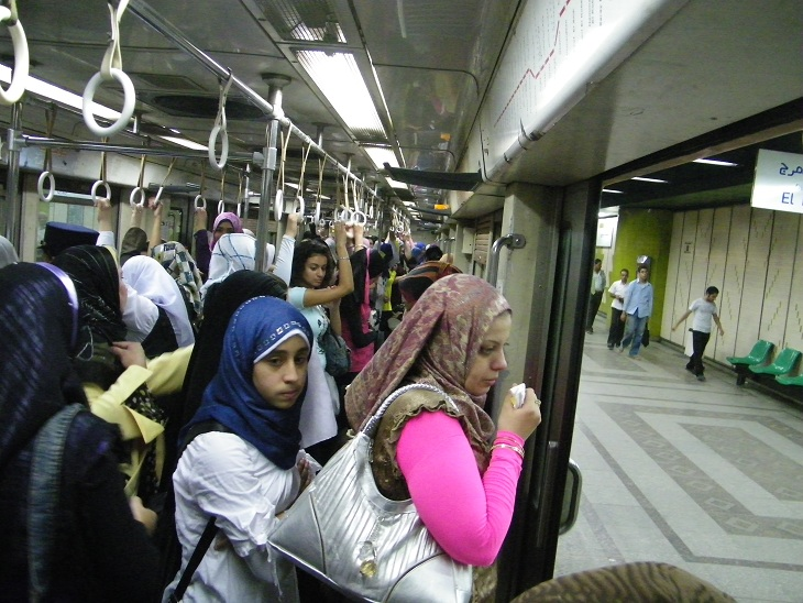 Passengers fill a Metro carriage DNE archive