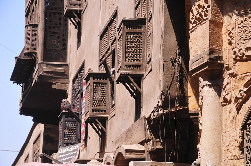Buildings in old Cairo adorned with Mashrabeyas Hassan Ibrahim / DNE