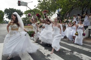 Brides will be brides AFP PHOTO / NELSON ALMEIDA