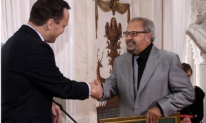 Hanaa Abdel-Fattah being honoured at the Polish embassy in Cairo. (Courtesy of Polish Embassy in Cairo website)