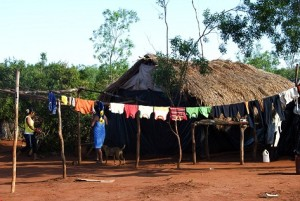 Guarani roadside camp. (Photo courtesy of Survival)