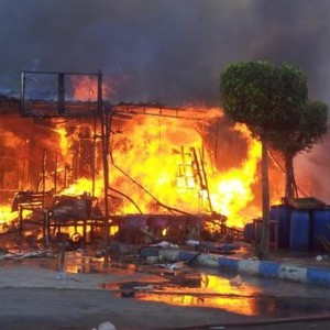 Fire tears through Libya Market on Sunday morning. (PHOTO BY AHMED ZAKARIA)