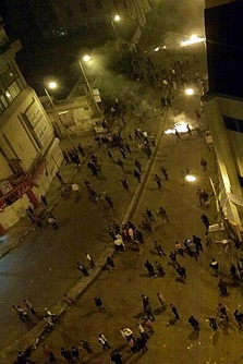 Clashes between protesters and Brotherhood supporters in Damanhour. (Al-Dostour party in Beheira Facebook page)