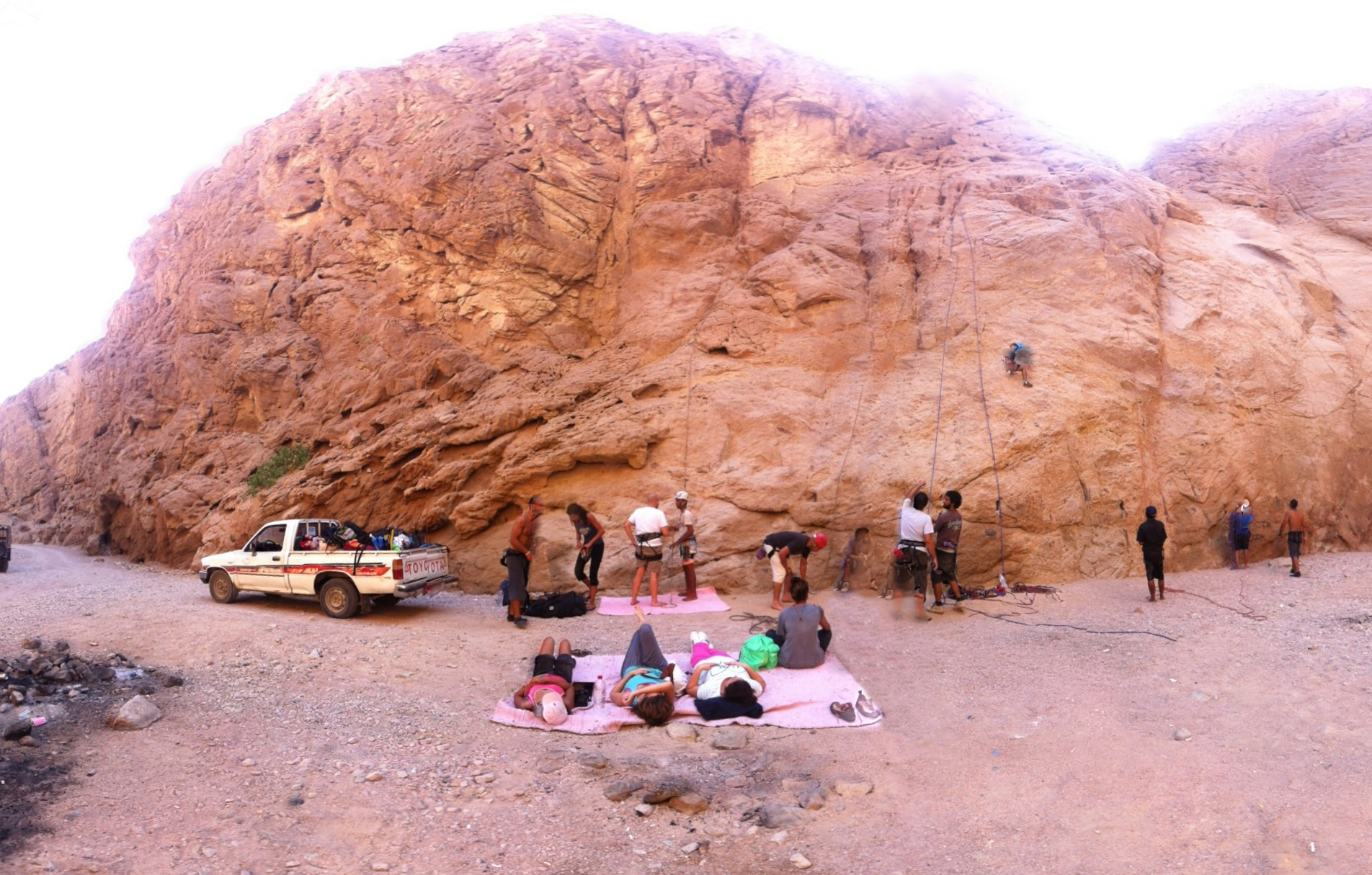 One of the climbing sites in Wadi Genai Rahim Hamada