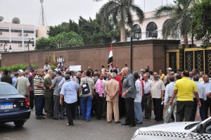 Military personnel protest for fair pensions and health insurance at the ministry of defence Hassan Ibrahim / DNE
