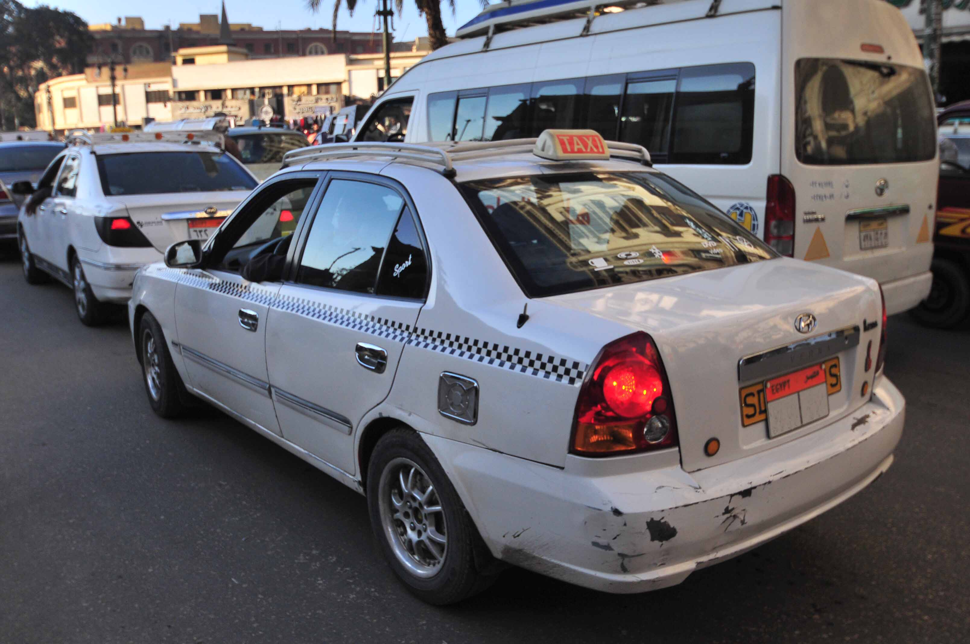 The white cab, introduced to the streets of Cairo after 2009. (DNE/ Hassan Ibrahim)