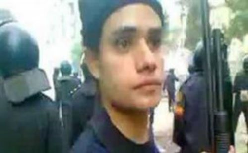 Al-Shennawy, a first lieutenant with the Central Security Forces (CSF), was charged with attempted murder of peaceful protesters after videos emerged of him shooting protesters during the November 2011 clashes on Mohamed Mahmoud street. (Photo: Screen grab from Video showing Al-Shennawy shooting a protester)