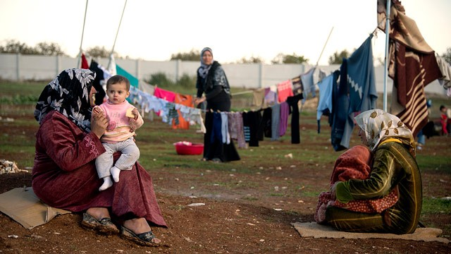 These NGOs will provide refugees in Lebanon with financial support and humanitarian aid in a bid to improve the living conditions of those displaced by the civil war in Syria. (AFP Photo)