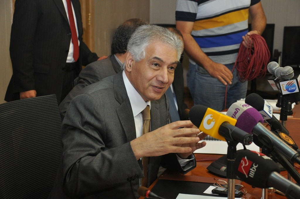 Egypt's temporary government will seek to avoid implementing austerity measures and instead work to increase economic incentives by improving security and pumping new funds into the market, according to Ahmed Galal, Egypt's new finance minister.  (Photo from Al-Borsa News)
