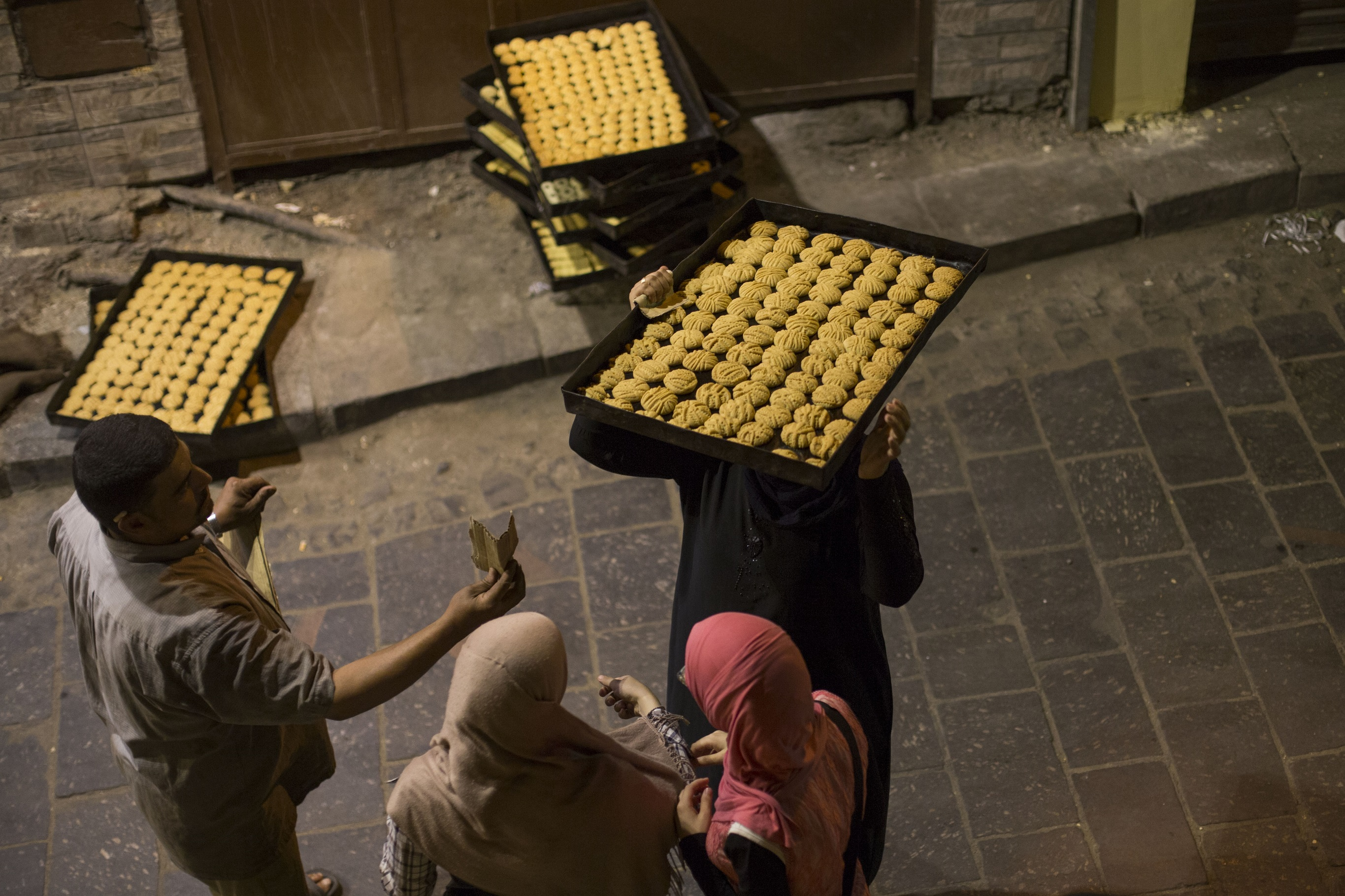 Nowadays, many Egyptian families prefer to buy ready-made kahk rather than making it at home By Osama Al Sayed