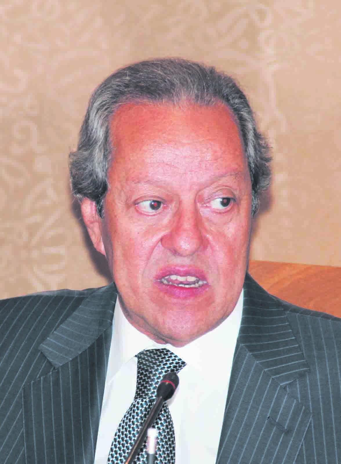 Mounir Fakhry  Abdel Nour Minister of Foreign trade and Industry  (Alborsa Photo)