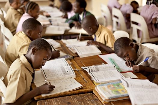Children studying math in Harare, Zimbabwe.  (Photo: Panos/Mikkel Ostergaard)