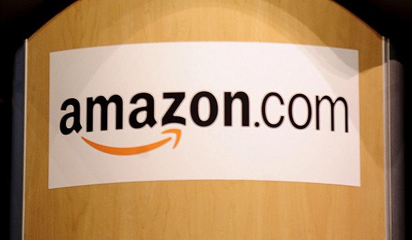 Amazon expected to introduce 3D Smartphone, become a new entrée in the Samsung and Apple dominated industry. (AFP Photo)