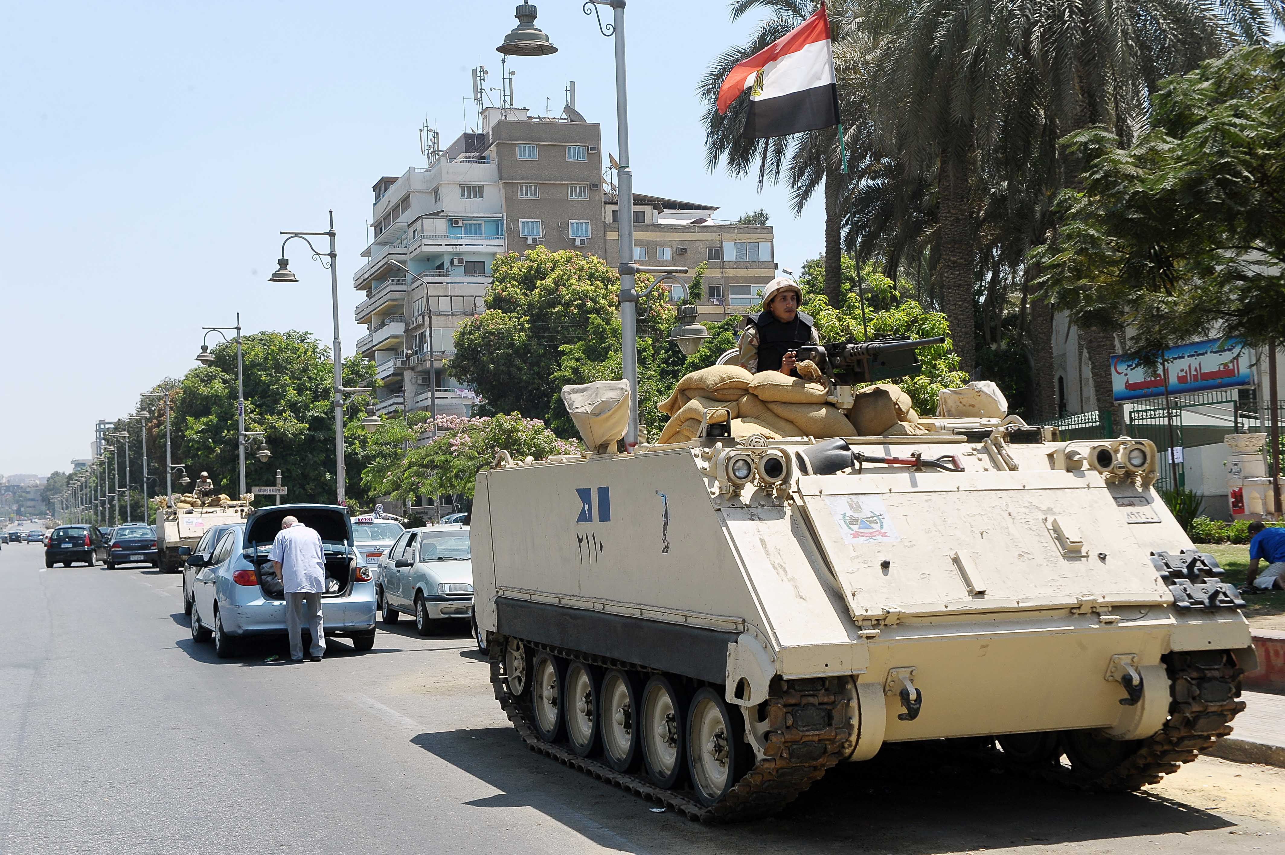 Armed Forces secure High Court building in Downtown Cairo (Photo by Ahmed AlMalky/DNE)