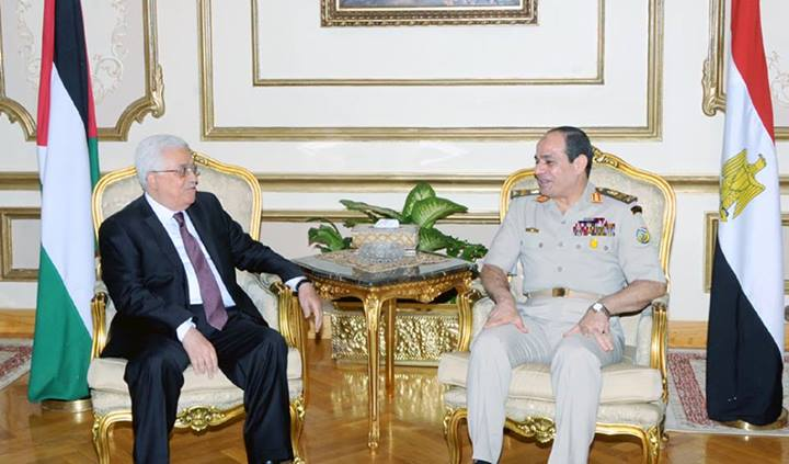 Chairman of the Palestinian Liberation Organisation Mahmoud Abbas met on Sunday with  Defence Minister General Abdel Fatah Al-Sisi. (Photo from Army Spokesman Facebook Page)