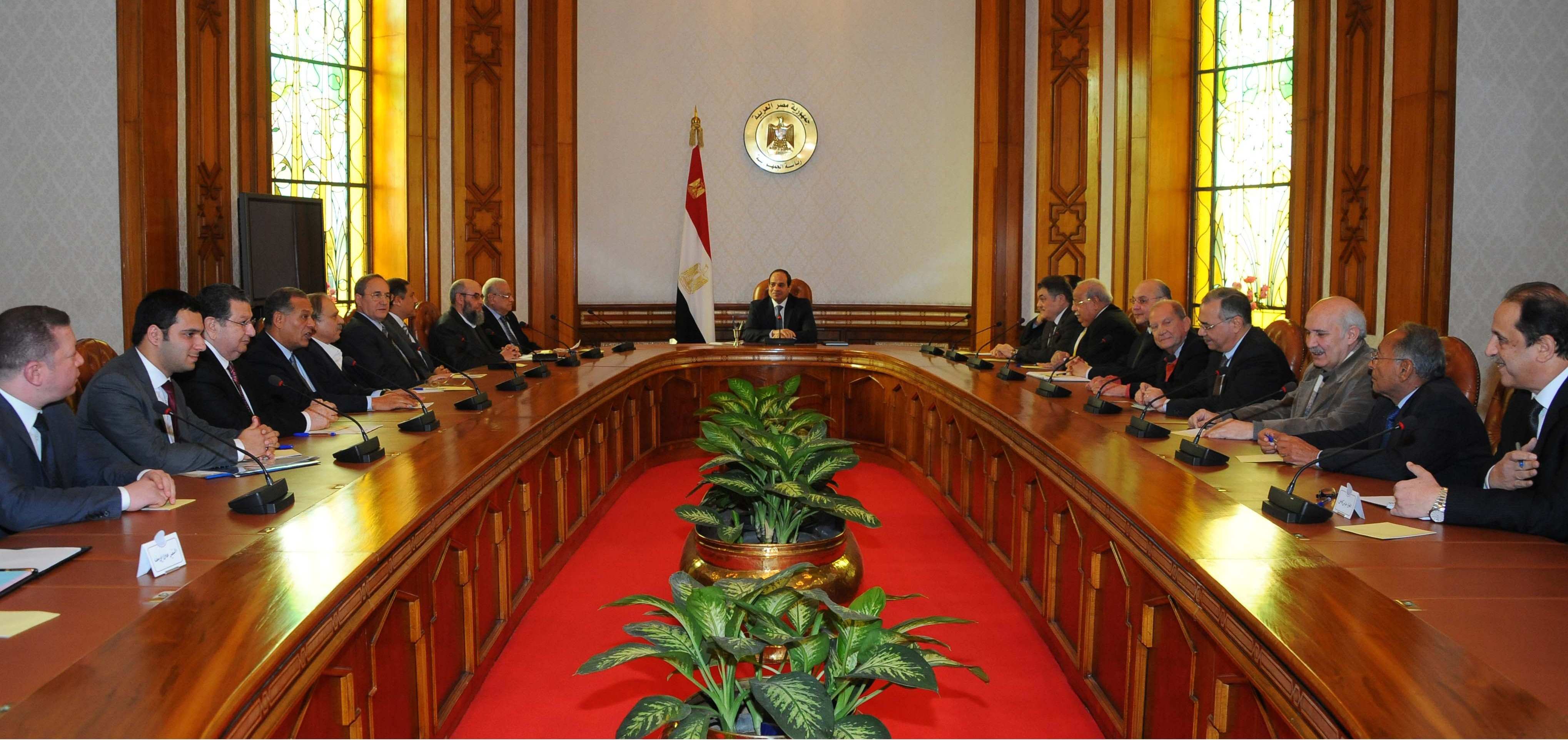 1)Abdel Fattah Al-Sisi met with political party leaders in January 2015 for first time since he became president.  (Photo by Presidential Office)