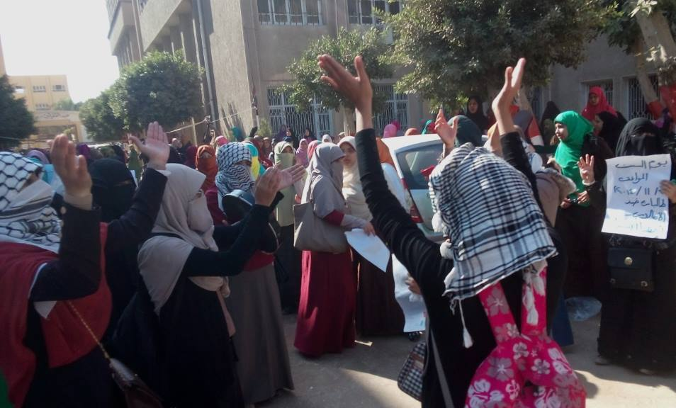 Students in Al-Azahr have been protesting demanding the opening of the dormitories, and against the arrest of fellow students. (Photo from Students Against the Coup)
