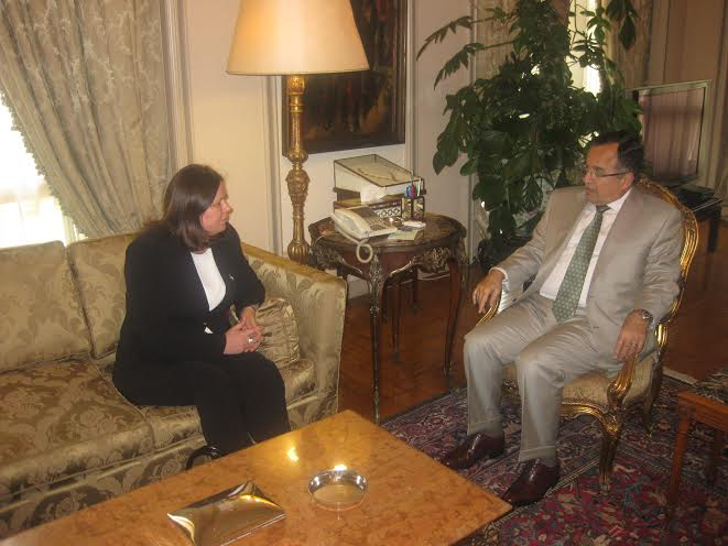 Egyptian Foreign Minister Nabil Fahmy (right) met on Sunday with Fadwa Barghouthi, wife of the Palestinian prisoner and Fatah leader Marwan Barghouthi (Photo Ministry of Foreign Affairs handout)