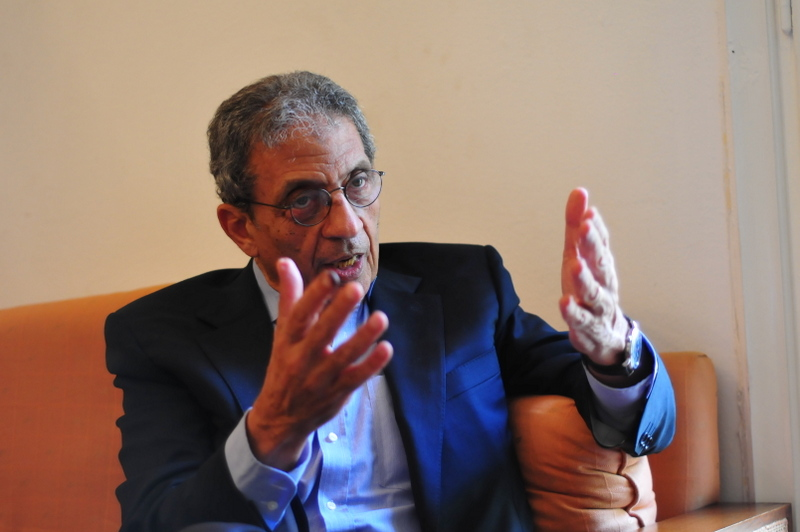 Amr Moussa, Conference Party and the National Salvation Front (NSF) leader, held a two-hour meeting with the Ethiopian ambassador to Egypt Mahmoud Dardir on Monday to discuss issues surrounding the controversial Grand Renaissance Dam. (DNE File Photo)
