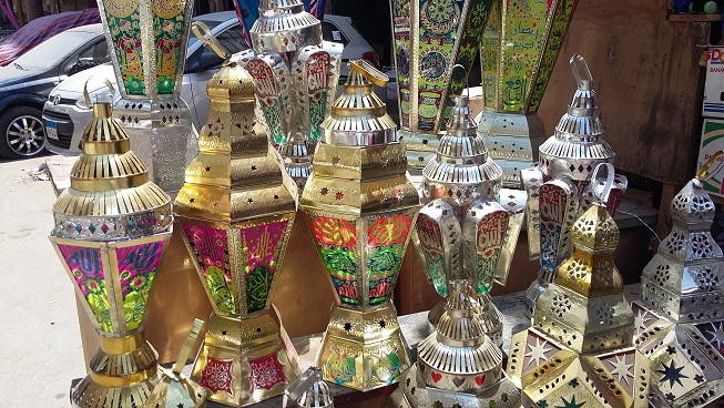 Orders for Ramadan lanterns made of sheet iron increased by 50%, compared to 30% last season (Photo by Shaimaa Elise)