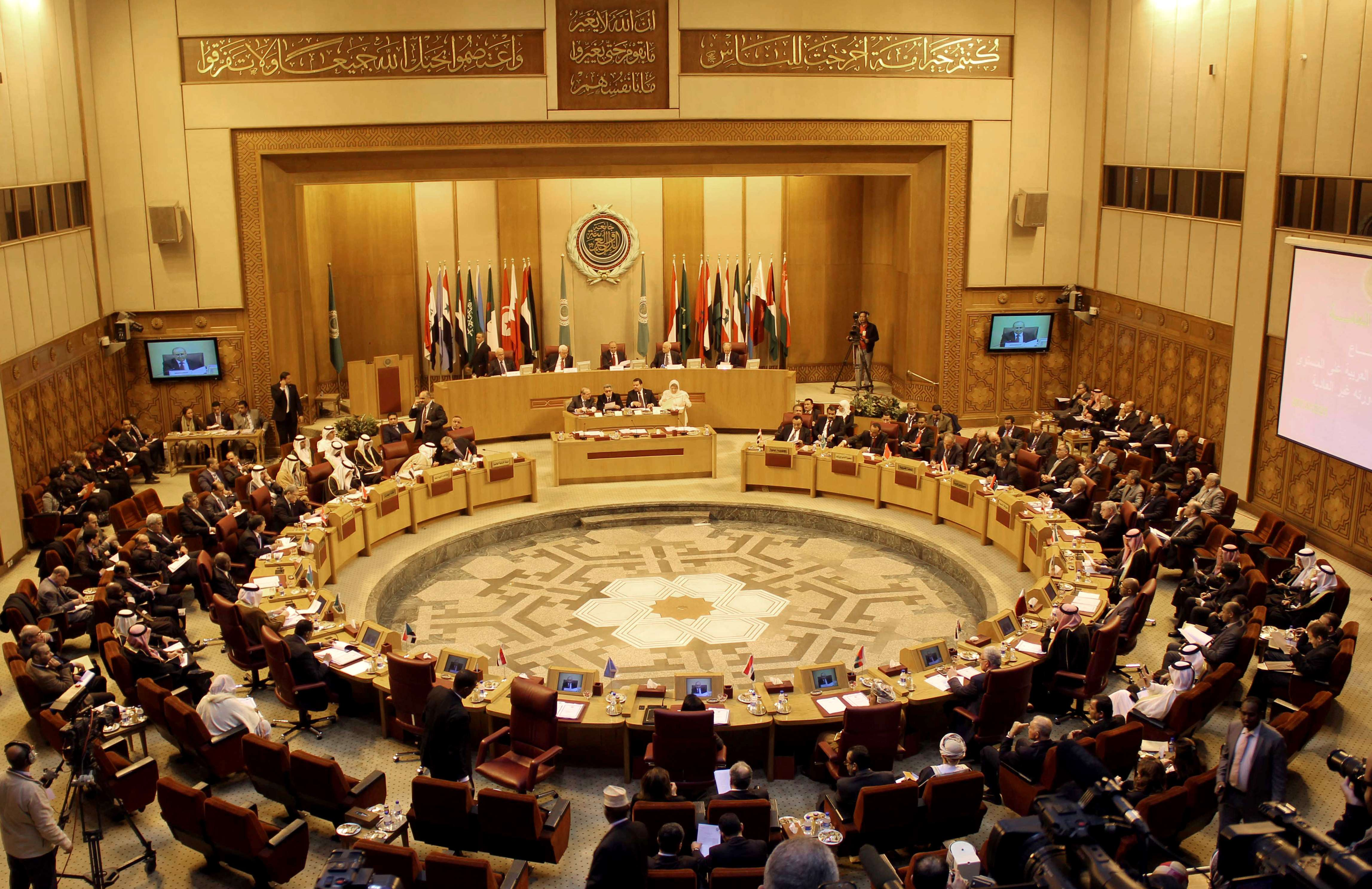 A general view shows the meeting of the Arab League Foreign ministers in the Egyptian capital Cairo on December 21, 2013. The meeting has been called at the request of Palestinian president Mahmud Abbas, League deputy secretary general Ahmed Ben Helli said, and aims to discuss troubled peace talks between the Palestinians and Israel.  (AFP PHOTO / HASSAN MOHAMED)