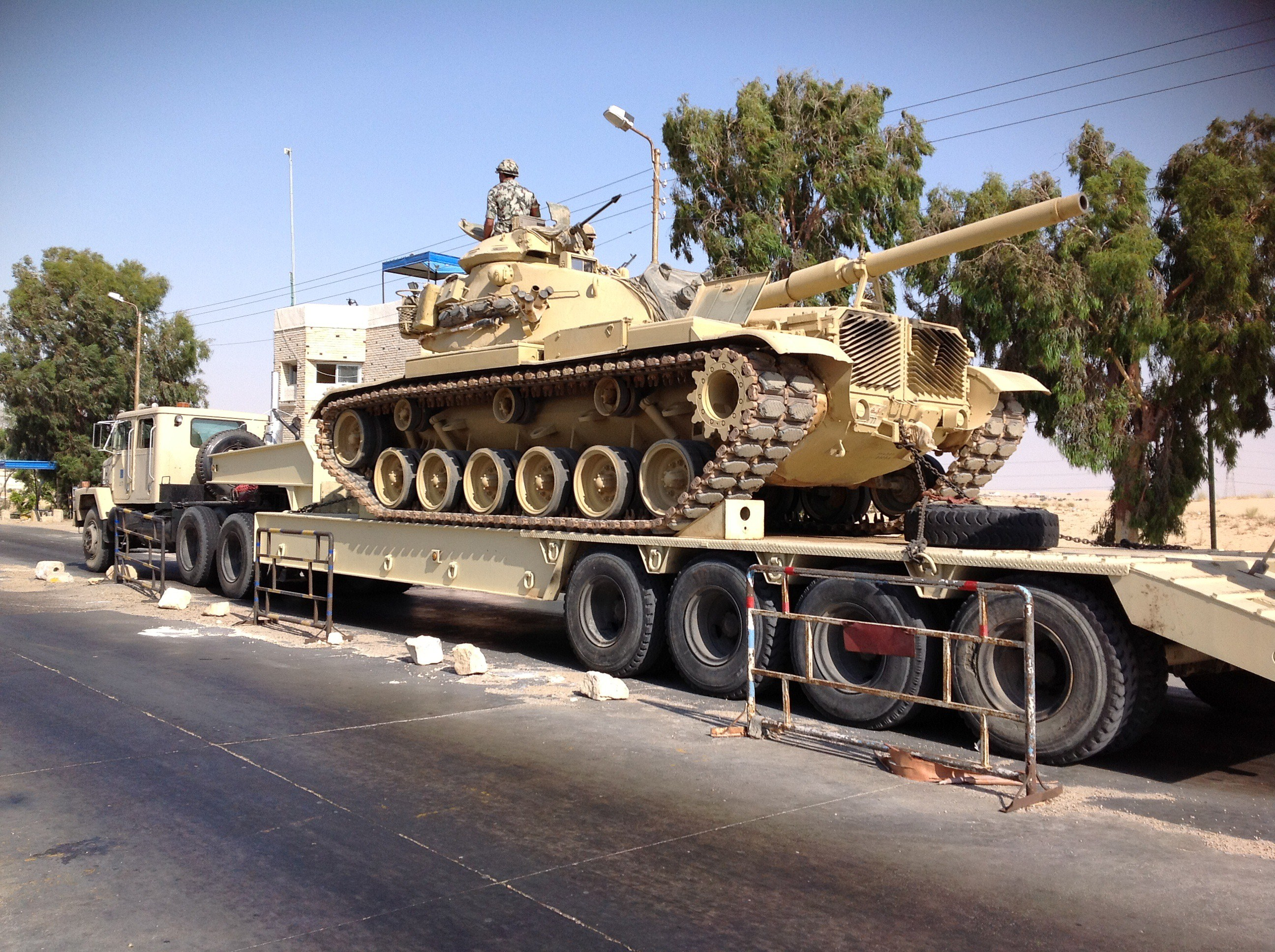 An Egyptian military tank is deployed in the northern Sinai town of Al-Arish on July 16, 2013.  (AFP Photo)