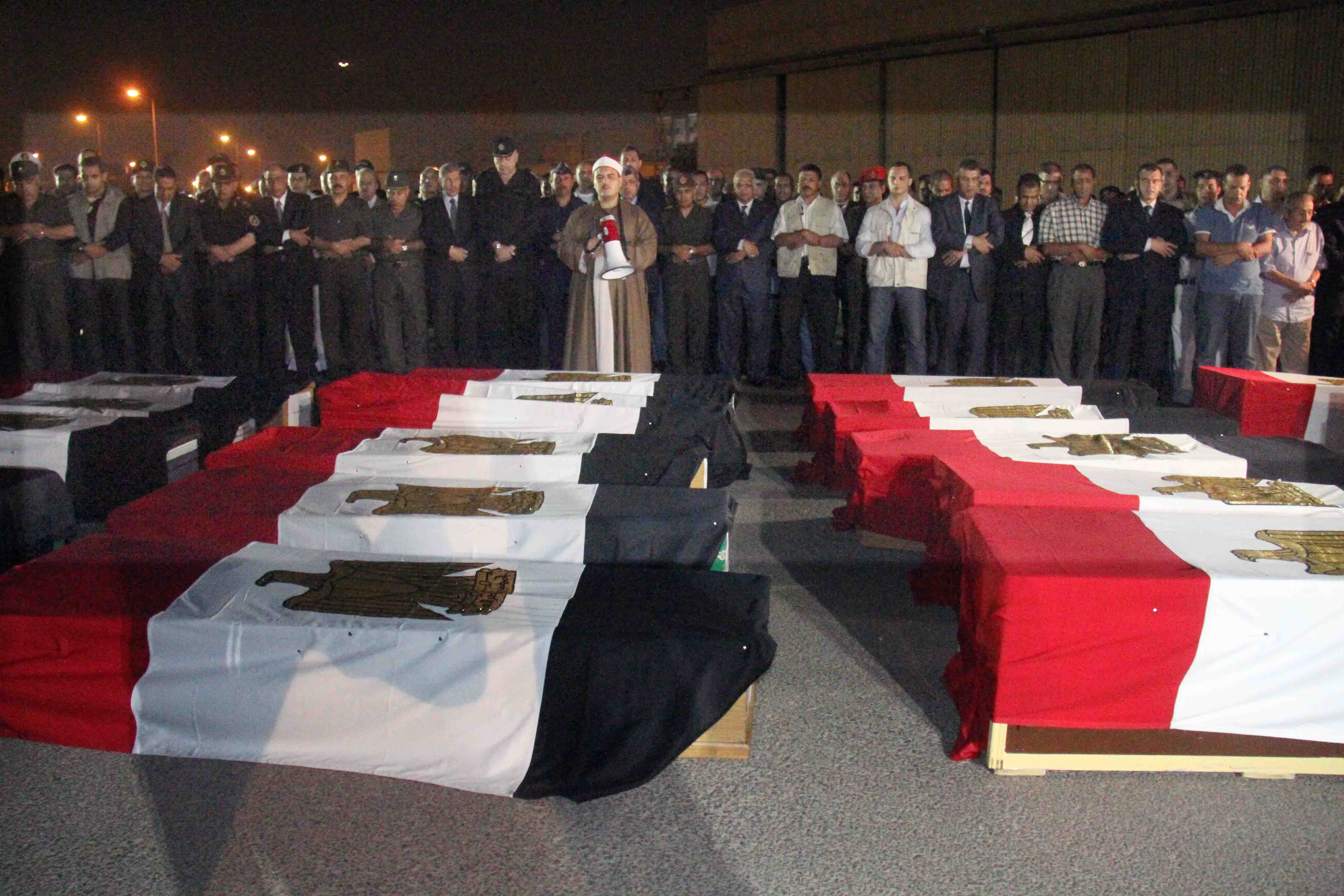 A military funeral was held for the 25 Central Security Forces soldiers executed in Sinai in Augest 2013. (DNE File Photo)
