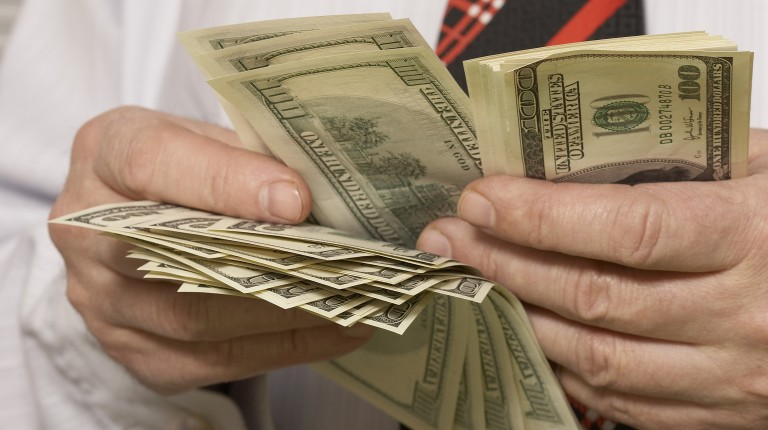 Us Dollar Loses Over 50 Piastres On