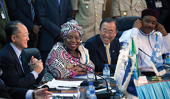 Secretary-General Ban Ki-moon (second from right), along with World Bank President Jim Yong Kim (left), African  Union Commission Chairperson, Nkosazana Dlamini-Zuma (second from left) and President Issoufou Mahamadou of Niger (right), talk to the media in Niamey.  (Photo by Dominic Chavez/World Bank)