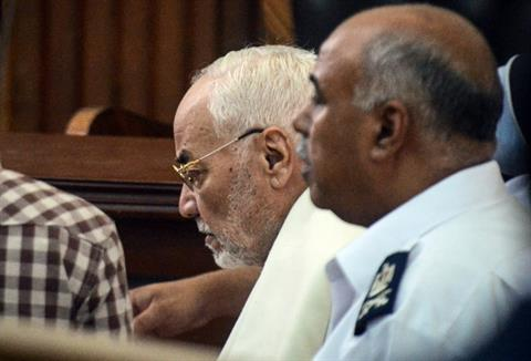 Egypt's Muslim Brotherhood supreme guide Mohammad Mahdi Akef is pictured during his trial along with other senior members of the group at the Tura prison police institute June 18, 2014.  (AFP PHOTO/Mohammad El-Shahed)