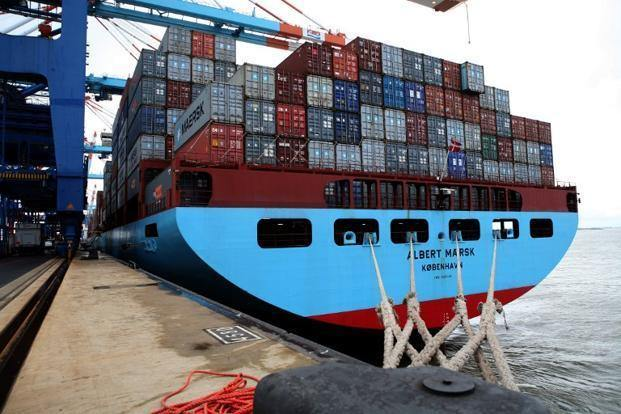 Total exports amounted to $4.6bn in Q3 of FY 2014/2015, down from the $6.4bn registered in the same period the year before (AFP photo)