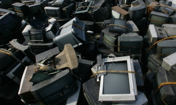 The e-waste factory will recycle laptops, mobile devices, printers and photocopiers and other electronic waste to benefit from unused resources  (AFP Photo)