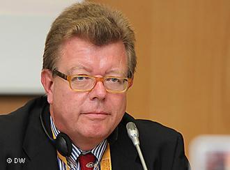 Dr. Ronald Meinardus