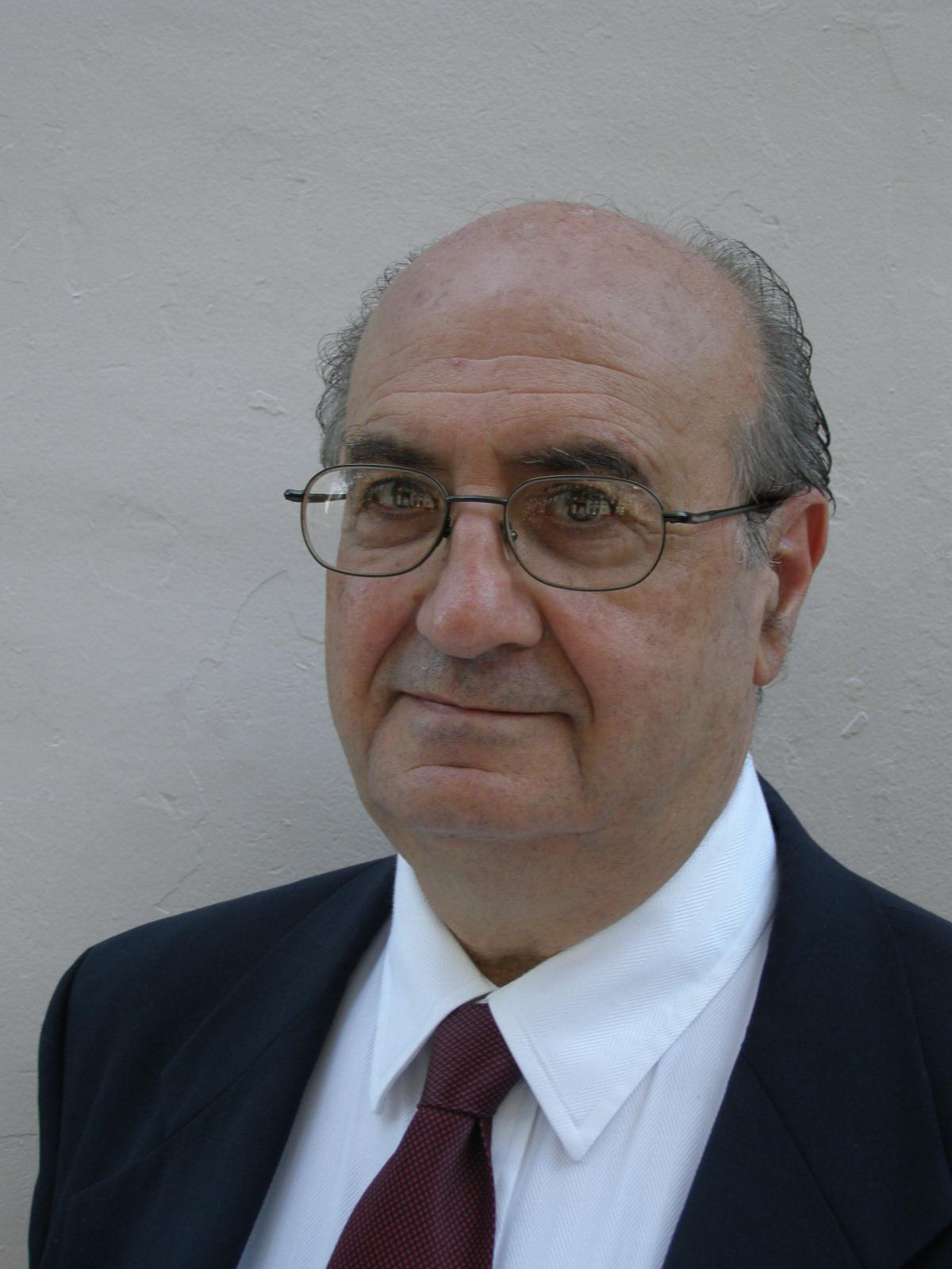 Dr. Cesar Chelala