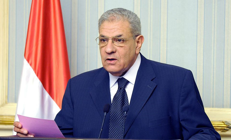 Prime Minister Ibrahim Mehleb announces that Egypt's economic summit will be held in Sharm El-Sheikh from 13 to 15 March. (Photo courtesy of Egypt's Cabinet)