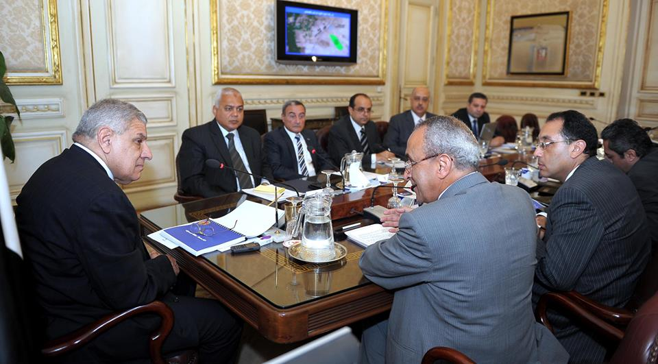 Prime Minister Ibrahim Mehleb met with the ministers of Water Resources and Irrigation, Housing, and Agriculture (Photo courtesy of the Egyptian Cabinet)