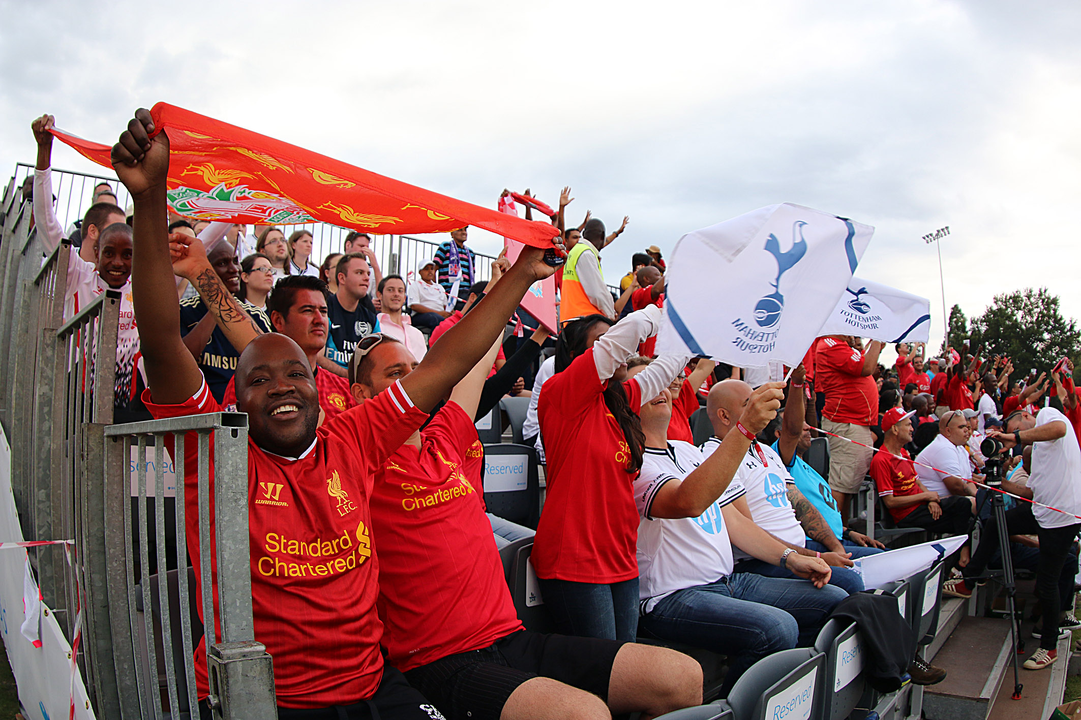 Liverpool and Tottenham Hotspur fans watch their teams clash at the Barclays Premier League Live fan park in Johannesburg on Sunday (30 March) (Photo from Barclays Premier League)