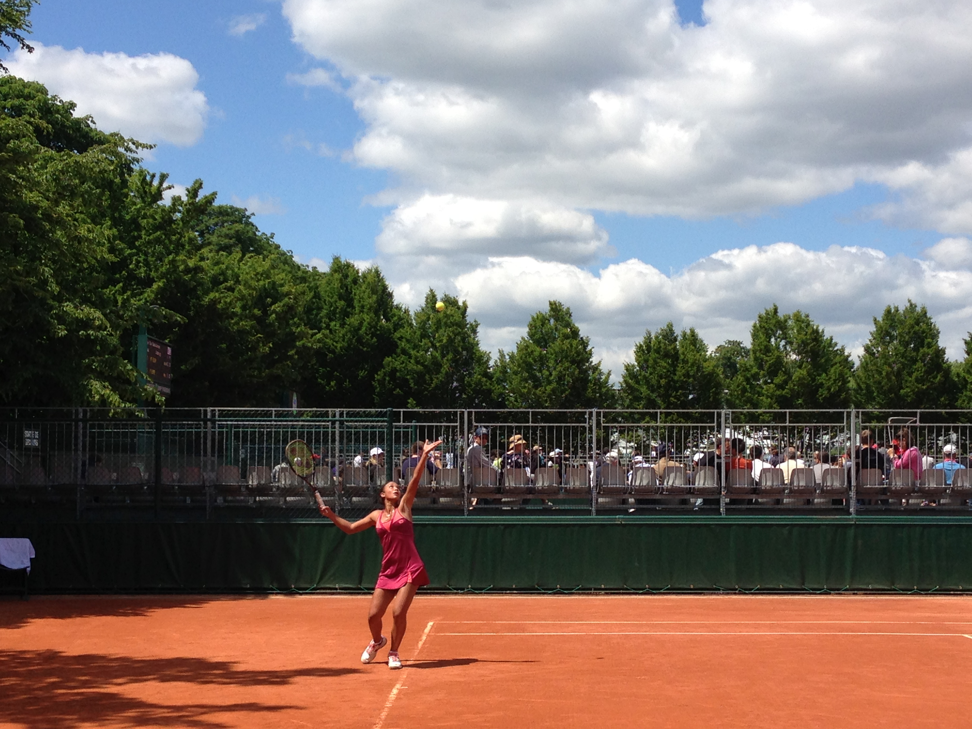 Sandra Samir serving ball at the second round in Roland Garros 2013 (Photo Courtesy of Sandra Samir)