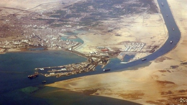 An aerial view taken in 2007 shows the southern entrance of Egypt's Suez Canal.   (AFP Photo)