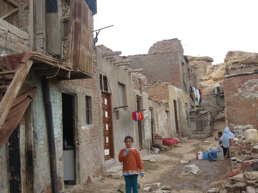 The number of people living below the poverty line increased to 26.3% of the population (Photo by Sarah El Masry)